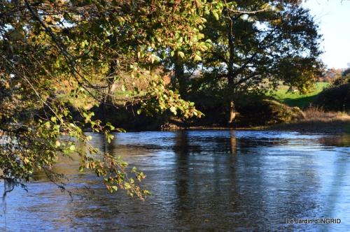 Romefort,bord de Creuse,vent,feuilles,jardin,canal 032.JPG