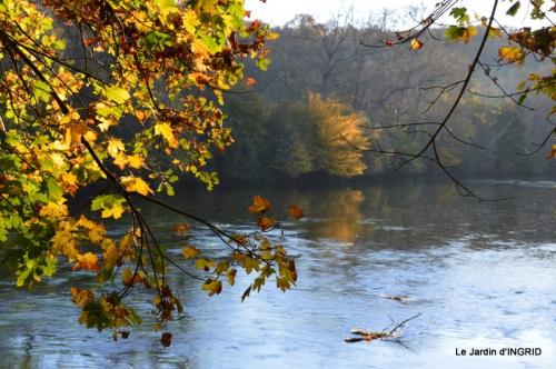 Romefort,bord de Creuse,vent,feuilles,jardin,canal 039.JPG