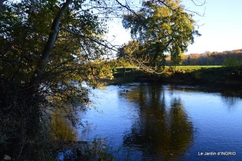 Romefort,bord de Creuse,vent,feuilles,jardin,canal 030.JPG